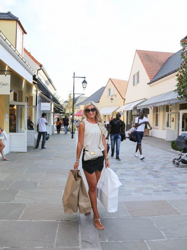 Paris outlet and shopping