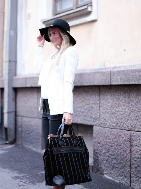 Fall outfit with Floppy Hat
