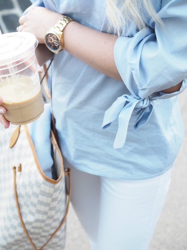 Brunch outfit with white pants