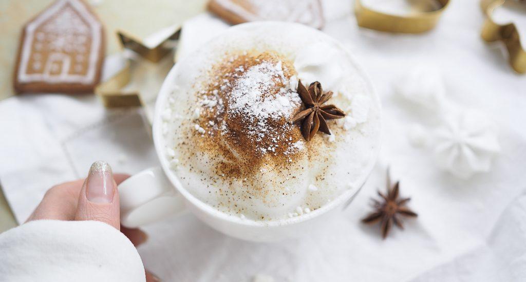 Piparkakkuja ja kahvia