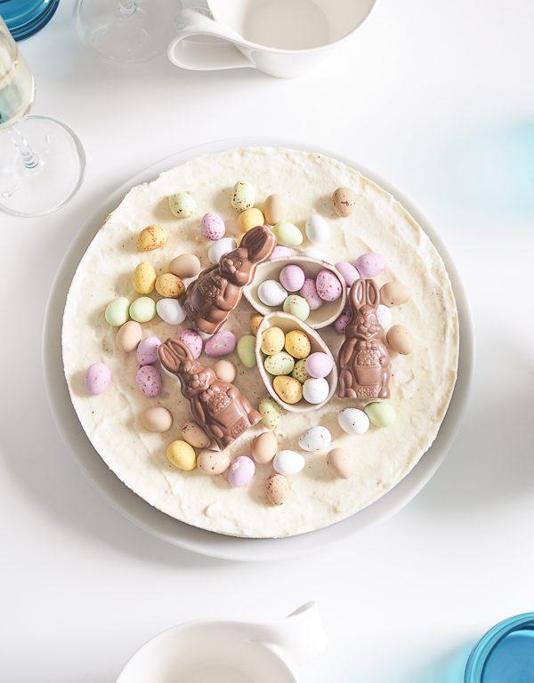 Pääsiäiskakku: rahkainen limeraakakakku